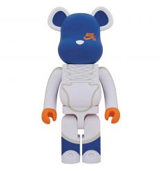 Sculpture bearbrick 1000% Nike SB Dunk High Elite