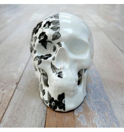 Skull skull Fleurs Noires 2 by NooN