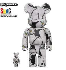 Sculpture Bearbrick 400% & 100% BANKSY FLOWER BOMBER